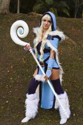 crystal_maiden_dota_2_cosplay_by_icecharizardcosplay